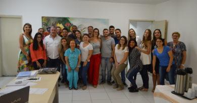 Prefeito Jorge Costa e superintendente de Saúde, Michele Sales, recepcionam 18 novos médicos do Programa Mais Médicos