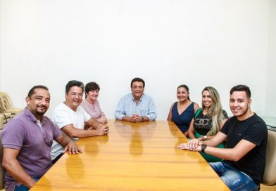 Fernando Fernandes garante pagar 14º e salário dos servidores sem atraso