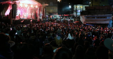 Shows de Thiago & Graciano e Só Pra Contrariar encantam público no Distrito do Jacira