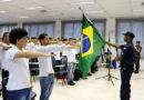 Jovens reservistas participam de Juramento à Bandeira em Itapecerica