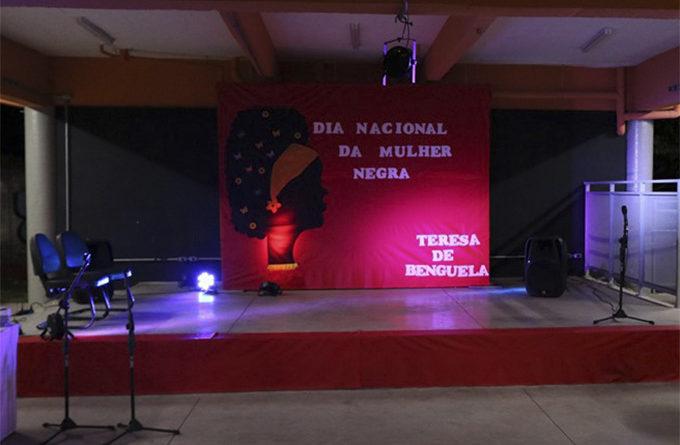 """Ação 25 – MNU """"invadem"""" Casa de Cultura de Campo Limpo para homenagear Mulheres com a """"Medalha Teresa de Benguela"""""""