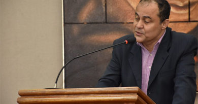 """Jornalista Mário Aparecido também é """"Cidadão embuense"""""""